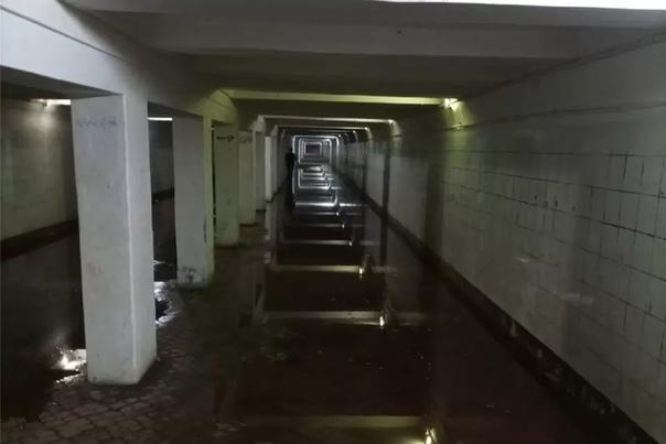 Подземный переход около станции метро «Комсомольская» в Н...