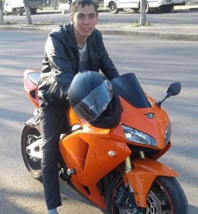 Sergey, 22, Kherson